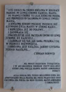 tablica pamiątkowa z wierzem C.K. Norwida w klasztorze